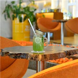 signature-lemonade-at-zest-lifestyle-cafe